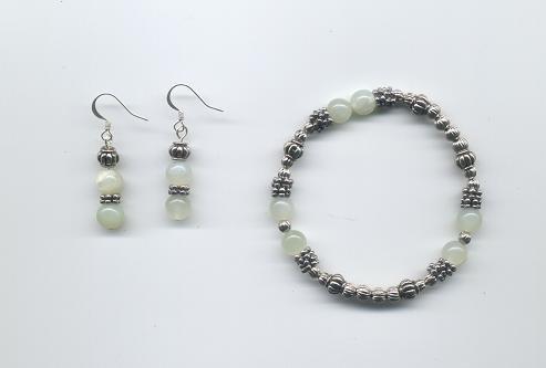 New Jade Gemstone Bracelet & Earring Set