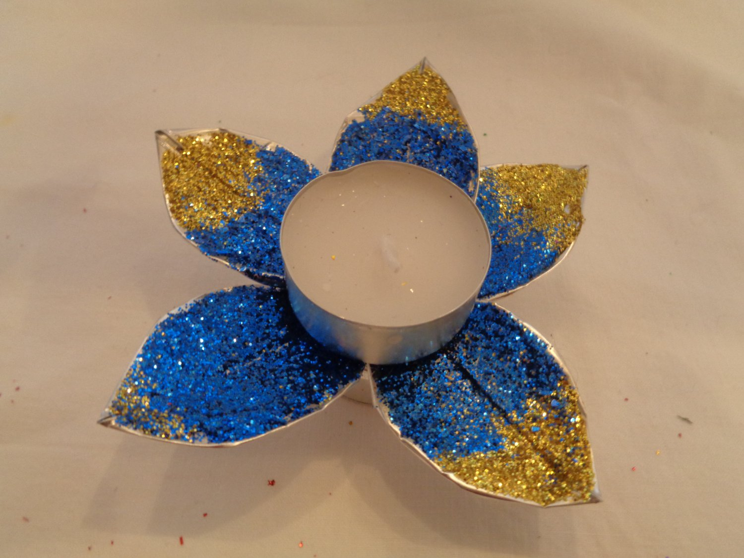 Glitter Flower Tealight - Blue & Gold