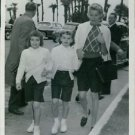 Grace Kelly with children. - 8x10 photo