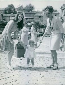 Virna Lisi (right) and Jolanda Addolor (left).1968 - 8x10 photo