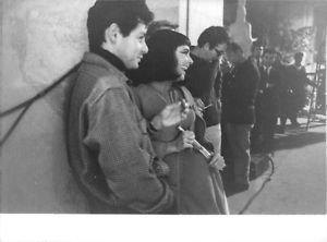Elizabeth Taylor with a man. - 8x10 photo