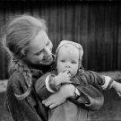 Liv Ullaman and daugther, Linn - 8x10 photo
