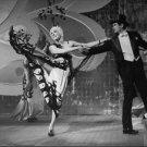 Julie Andrews performing. - 8x10 photo