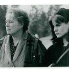 Kathy Bates and Jennifer Leigh - 8x10 photo