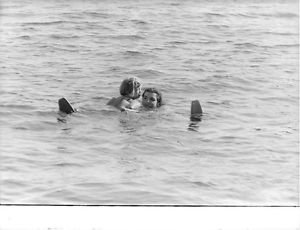 Jacqueline Kennedy Onassis swimming. - 8x10 photo