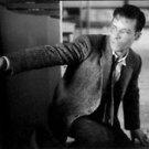 Guy Pearce firing. - 8x10 photo