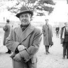 Jussi Björling outside. - 8x10 photo