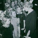 Elsa Brändström talking to children at the Stockholm Concert Hall.  - 8x10 photo