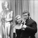 Peter Ustinov kissing trophy. - 8x10 photo