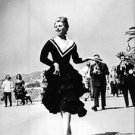 Sophia Loren running. - 8x10 photo