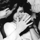 Sophia Loren crying.  - 8x10 photo