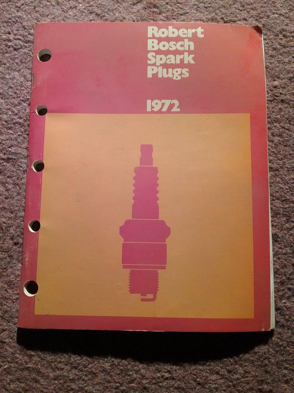 Vintage 1972 Robert Bosch Spark Plug Catalog Original 070716108