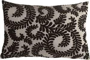Pillow Decor - Brackendale Ferns Black Rectangular Throw Pillow