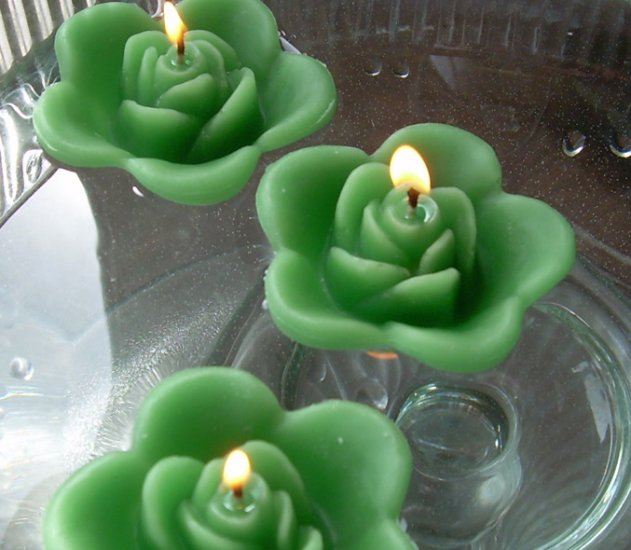 12 Clover Green Floating Rose Wedding Party Candles candle
