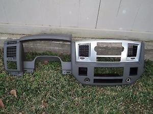 07 DODGE RAM CREW CAB DASH INSTRUMENT CLUSTER RADIO VENT COVER PANEL