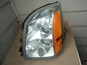 04-09 Cadillac SRX Driver Left Side  Headlight HID Xenon Oem  With Ballast