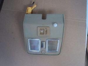 JAGUAR XJ6  INTERIOR OVERHEAD CONSOLE DOOM LIGHT LAMP