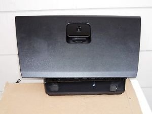 06 CADILLAC CTS INTERIOR GLOVE COMPARTMENT  BLACK