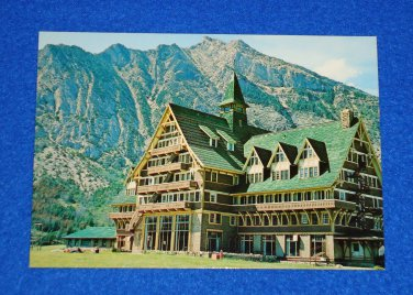 VINTAGE WATERTON LAKES NATIONAL PARK PRINCE OF WALES HOTEL MOUNT VIMY POSTCARD