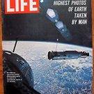 Life Magazine August 5, 1966 : Cover - Man's highest photos of Earth NASA