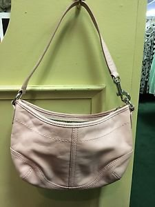 Coach pink leather small purse L043-4283