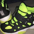 Nike Turf Raider Black White Volt 599812-007 Size 7y