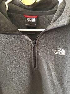 Men's Medium Grey The North Face Fleece Pullover Half Zip Long Sleeve Shirt