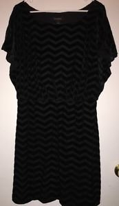 WHITE HOUSE BLACK MARKET Chevron Burnout Velvet Dress Large $148.00