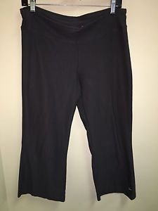 Women's Medium Grey Nike Dri Fit Athletic Yoga Capris