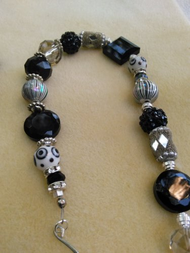 Jazzy Black & Silver necklace
