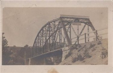 CM01.Vintage US  Undivided Postcard. Old bridge over river. Walking  pace only.