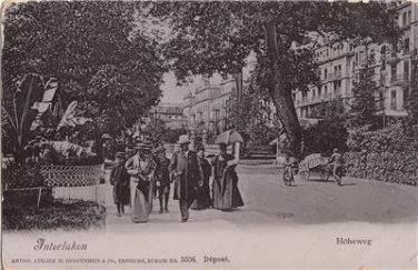CL85.Vintage Postcard. People walking in Hoheweg, Interlaken. Switzerland