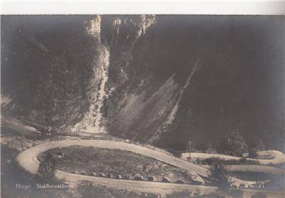 CM10.Vintage Postcard. Stahlheimskleven. Norway. Bendy road.