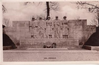 CL42. Vintage Postcard. Monument to the sons of Verdun who died in the war,