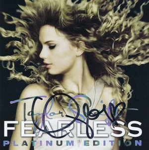 """Autographed TAYLOR SWIFT """"Fearless"""" Platinum Edition CD + DVD w/ COA (Cert of Authenticity) Signed"""