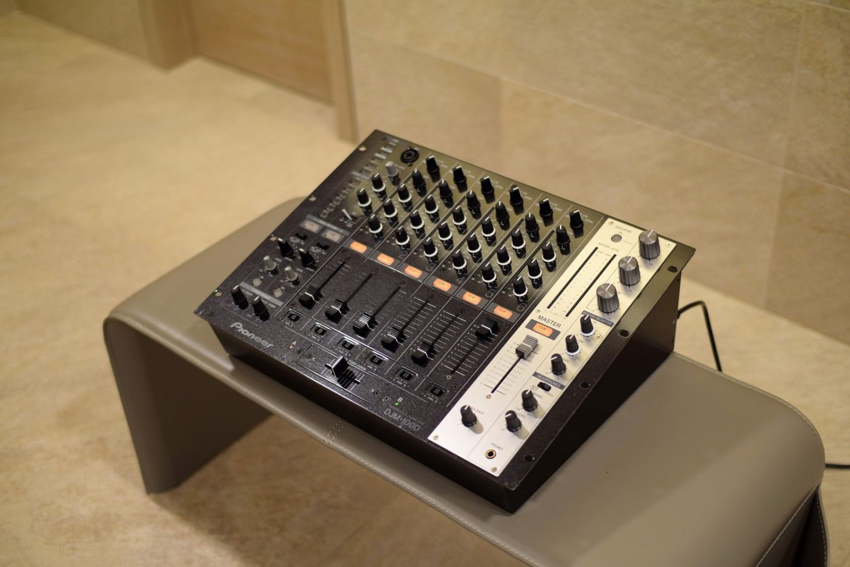 Pioneer DJM 1000 mixer, just serviced + 60 day warranty