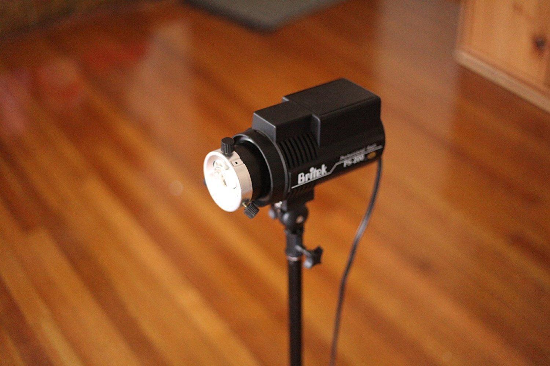Britek PS-200B Battery Powered Strobe Light
