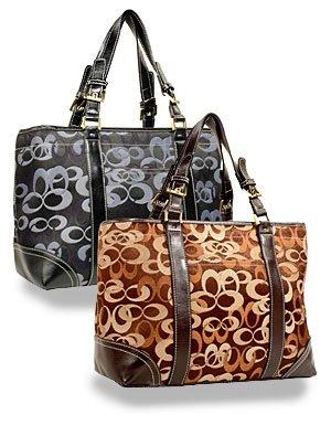 Signature Sara Front Pocket Tote Handbag