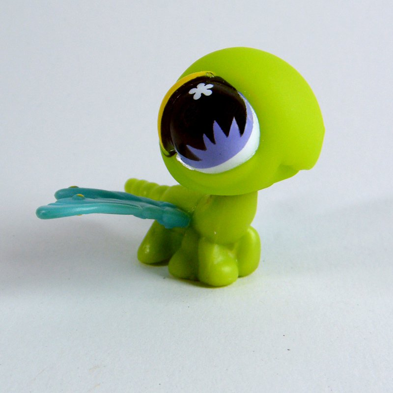 Littlest Pet Shop # 598 DRAGONFLY Green with Purple Eyes, Cluster
