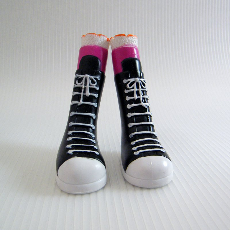 Lalaloopsy BEA SPELLS A LOT Black High Top Shoes Boots Replacement, Large Doll
