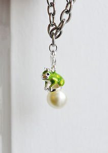 Frog charm � trendy kawaii enamel metal frog pearl lobster clasp charm
