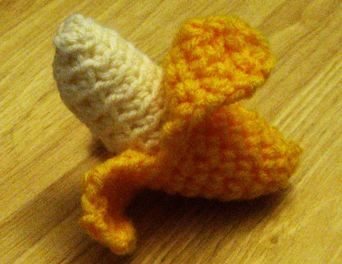 PDF Pattern- Crochet peeling Banana