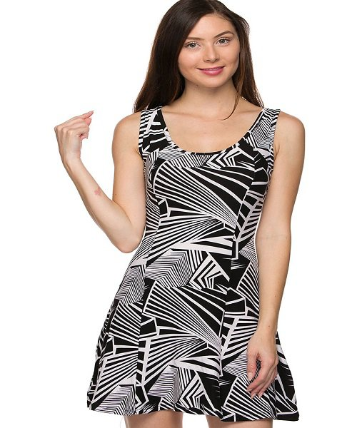 Black and White Fit and Flare Geo Print Mini Skater Dress Size S
