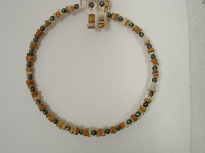 Natural Agate With Dalmation Jasper Beads Necklace With Earrings