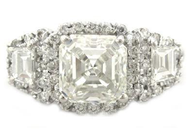 18K ASSCHER & ROUND CUT DIAMOND ENGAGEMENT RING 2.50CTW