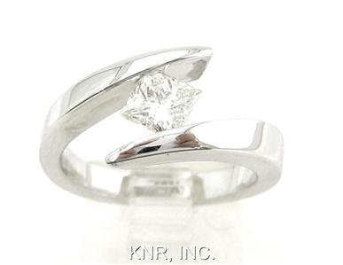 PRINCESS DIAMOND ENGAGEMENT RING TENSION SET 0.75CTW