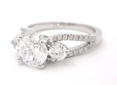 14K WHITE GOLD ROUND CUT DIAMOND ENGAGEMENT RING THREE STONE 1.64CTW
