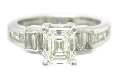 18K WHITE GOLD ASSCHER CUT DIAMOND ENGAGEMENT RING 1.60CTW