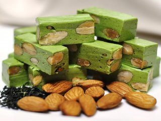 All Natural Green Tea Almond Scented Shampoo 2 Oz