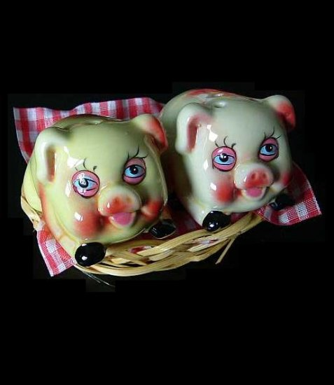 PORKERS SALT AND PEPPER SHAKERS CRUET SET